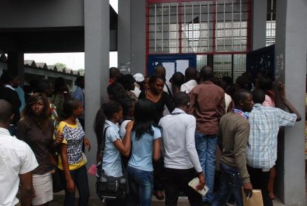 des étudiants devant un auditoire