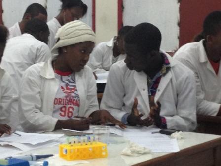 Etudiants au laboratoire