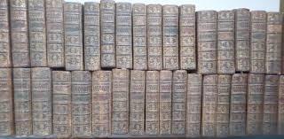 deux rangées de livres